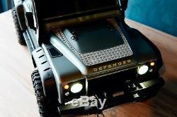 Traxxas TRX-4 Land Rover Defender RTR 82056-4 avec kit phares Led